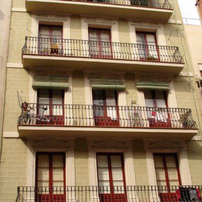 REHABILITACIÓN DE FACHADAS / CALLE DE LAFONT, 22  </br></br>Rehabilitación de edificio con valor patrimonial donde se realizaron trabajos de restauración de elementos ornamentales